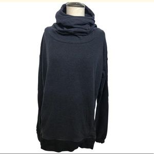 Lululemon Size 6 Navy Pullover Sweatshirt